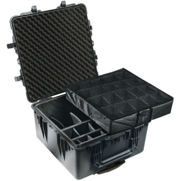 Pelican 1644 Transport 1640 Case with Dividers - Black