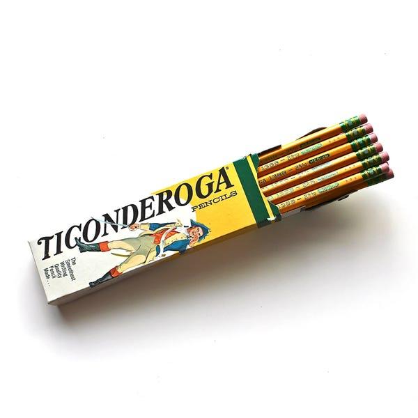 Dixon Ticonderoga Pencils #2.5 Medium - 12 Pack
